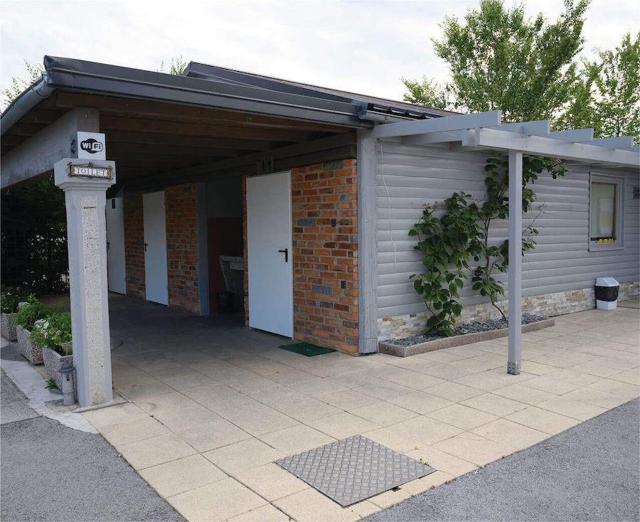 Toilets & WiFi - Camper Stop Ljubljana